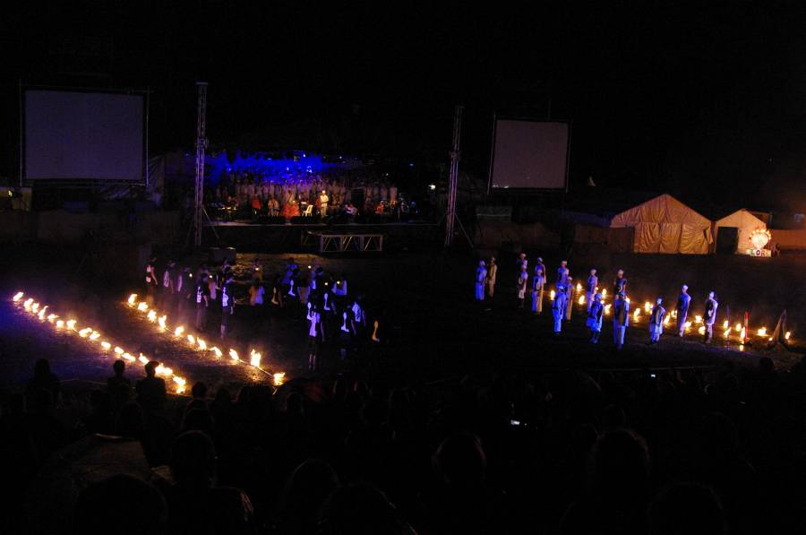 Woodford closing ceremony 2010/11 - fire twirling chess game